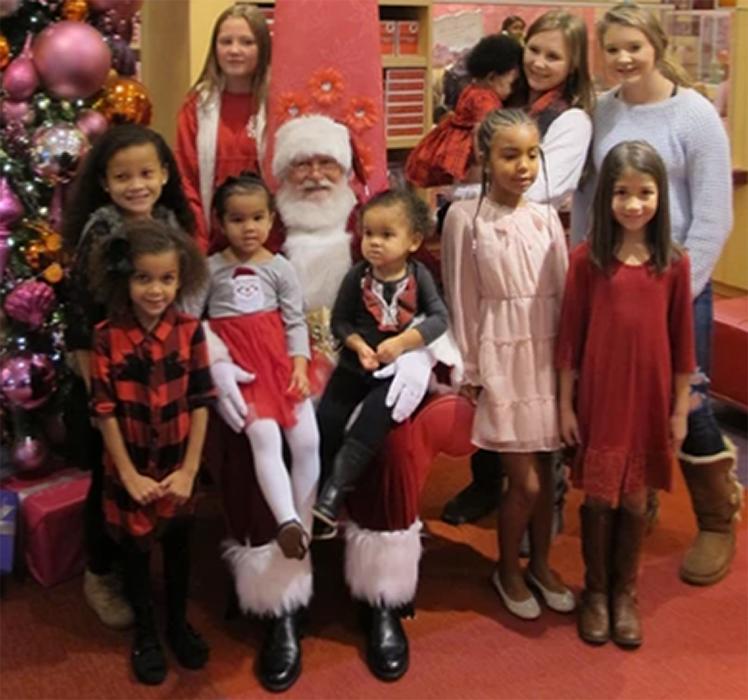 Atlanta Georgia Santa Claus visits